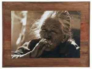 Billede m/rygende indisk kvinde UNIKA