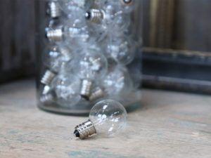 LED pære E12