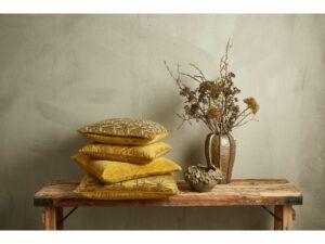 Velour pude med print Mustard