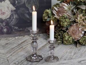 Chic Antique lysestage med blondekant Taupe